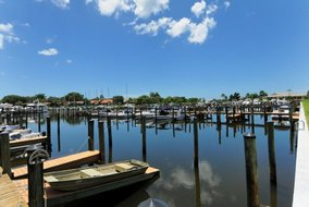 Gulf Shores Realty: 708596284